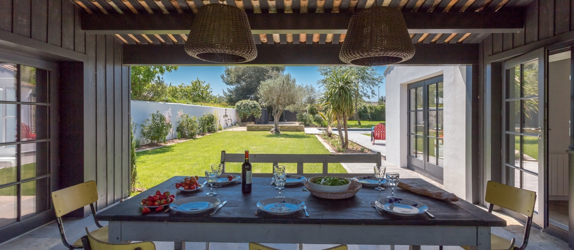 Ile de re holiday rentals high quality villas holiday - La plus belle piscine de france ...