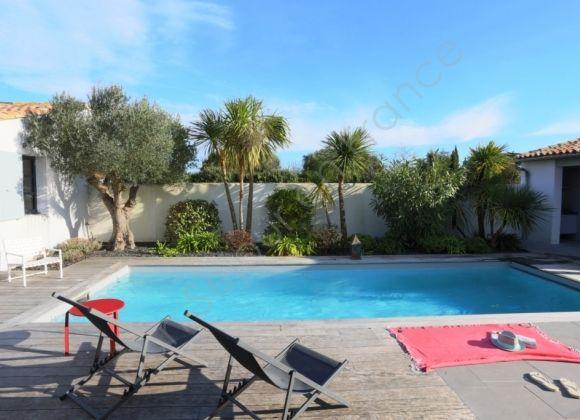 Location villa avec piscine sur l 39 ile de r agapanthe for Location villa ile de re avec piscine