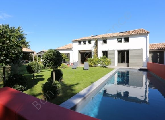 Location villa avec piscine sur l 39 ile de r amadeus for Location villa piscine ile de france