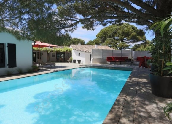 Location villa avec piscine sur l 39 ile de r birdy for Location villa ile de re avec piscine