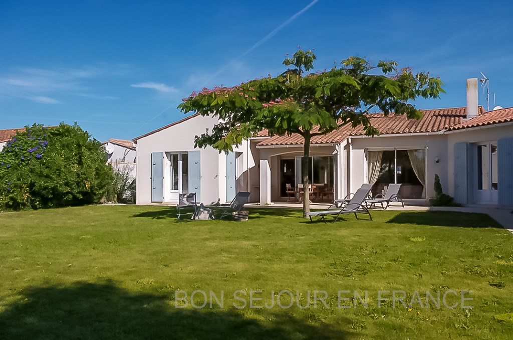 Charly - location � La Couarde
