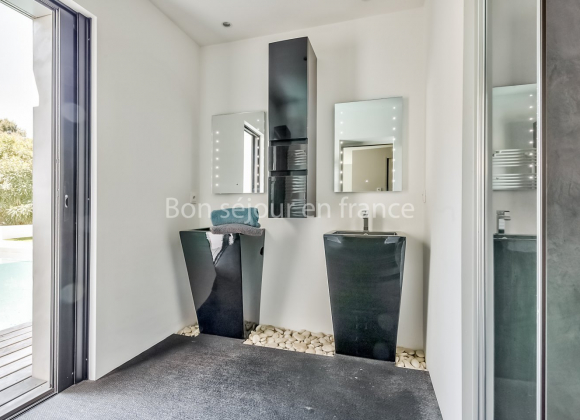 Location villa avec piscine sur l 39 ile de r neptune Piscine oloron sainte marie