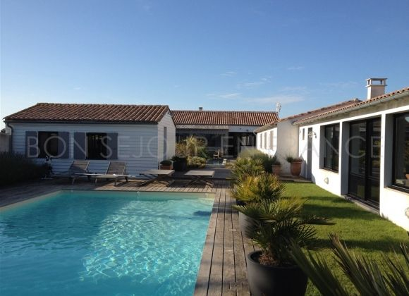 Location villa avec piscine sur l 39 ile de r phenix for Location villa piscine ile de france