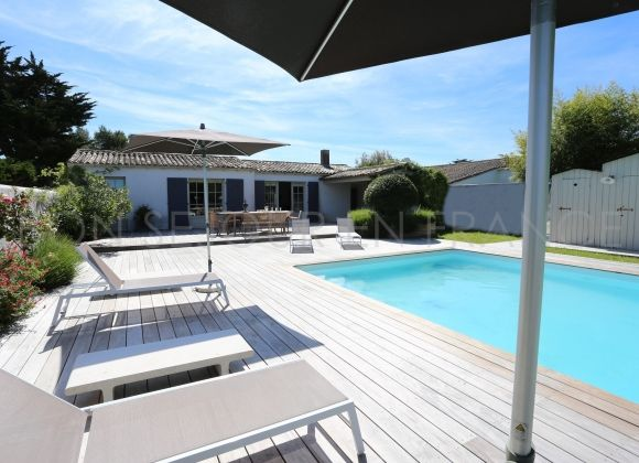 Location villa avec piscine sur l 39 ile de r tribord for Location villa piscine ile de france