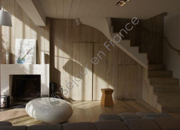 Exclusive Villa With Enclosed Courtyard In The Very Centre Of Les - Location les portes en ré