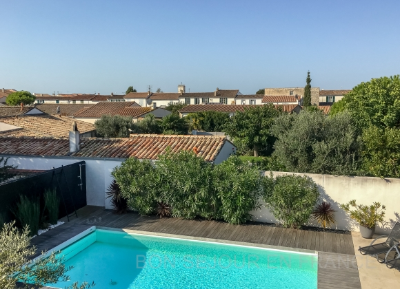 Location villa avec piscine sur l 39 ile de r equateur - Location garage ile de france ...