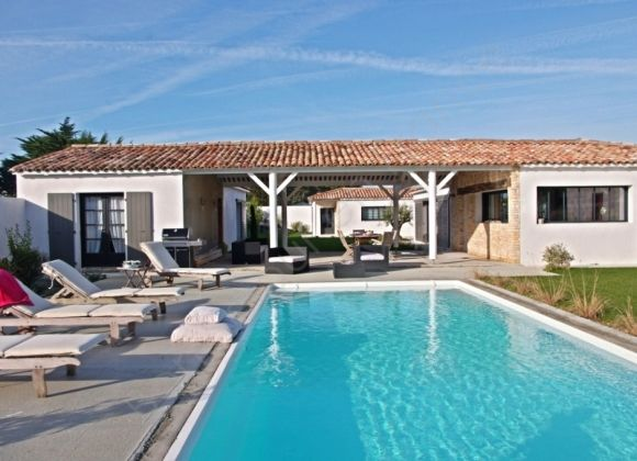 Location villa avec piscine sur l 39 ile de r lagon for Location villa piscine ile de france