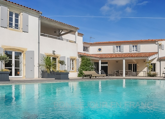 Location villa avec piscine sur l 39 ile de r perle - Location garage ile de france ...