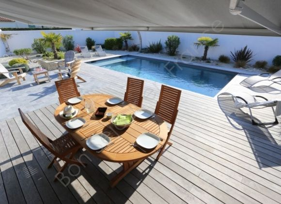 Location villa avec piscine sur l 39 ile de r rivage for Location avec piscine ile de re